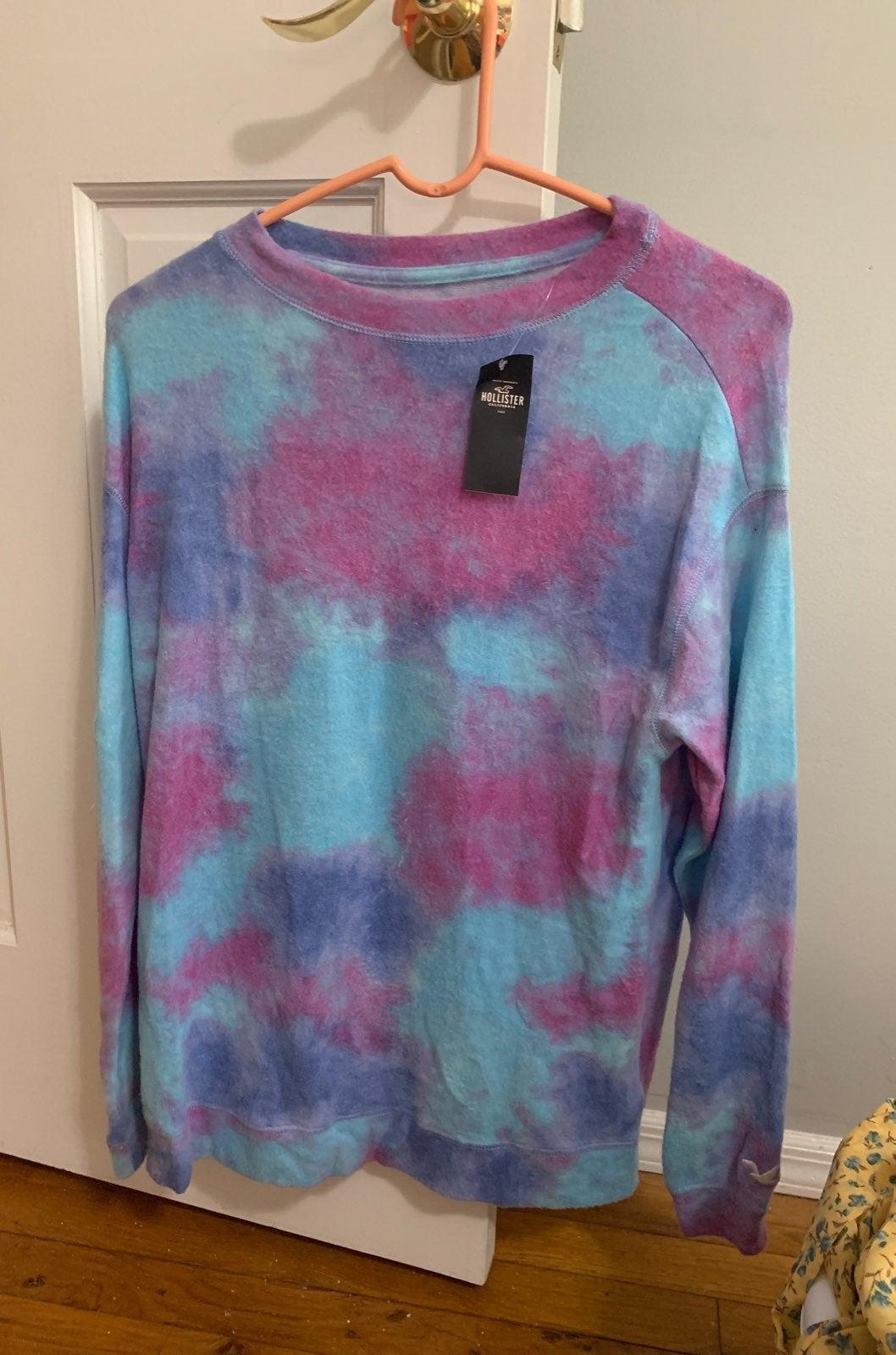 Large fuzzy tie dye hollister sweatshirt