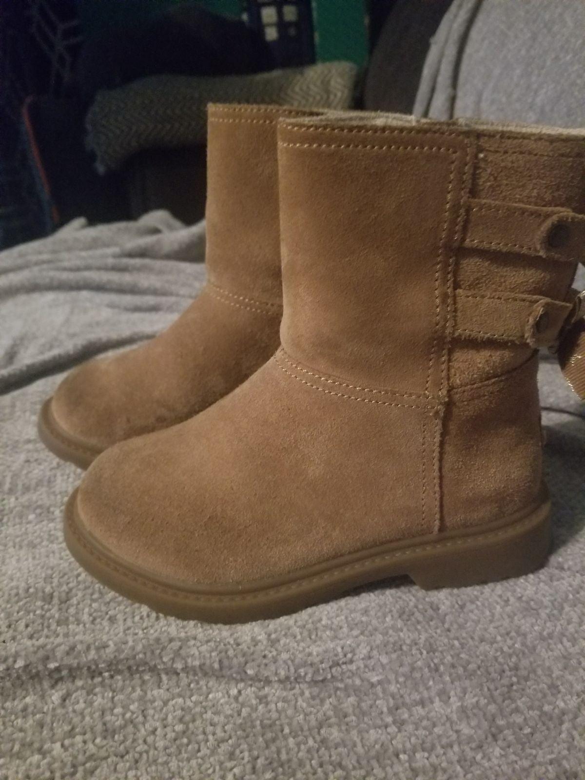 Kids Ugg Tillee Boots Size 10