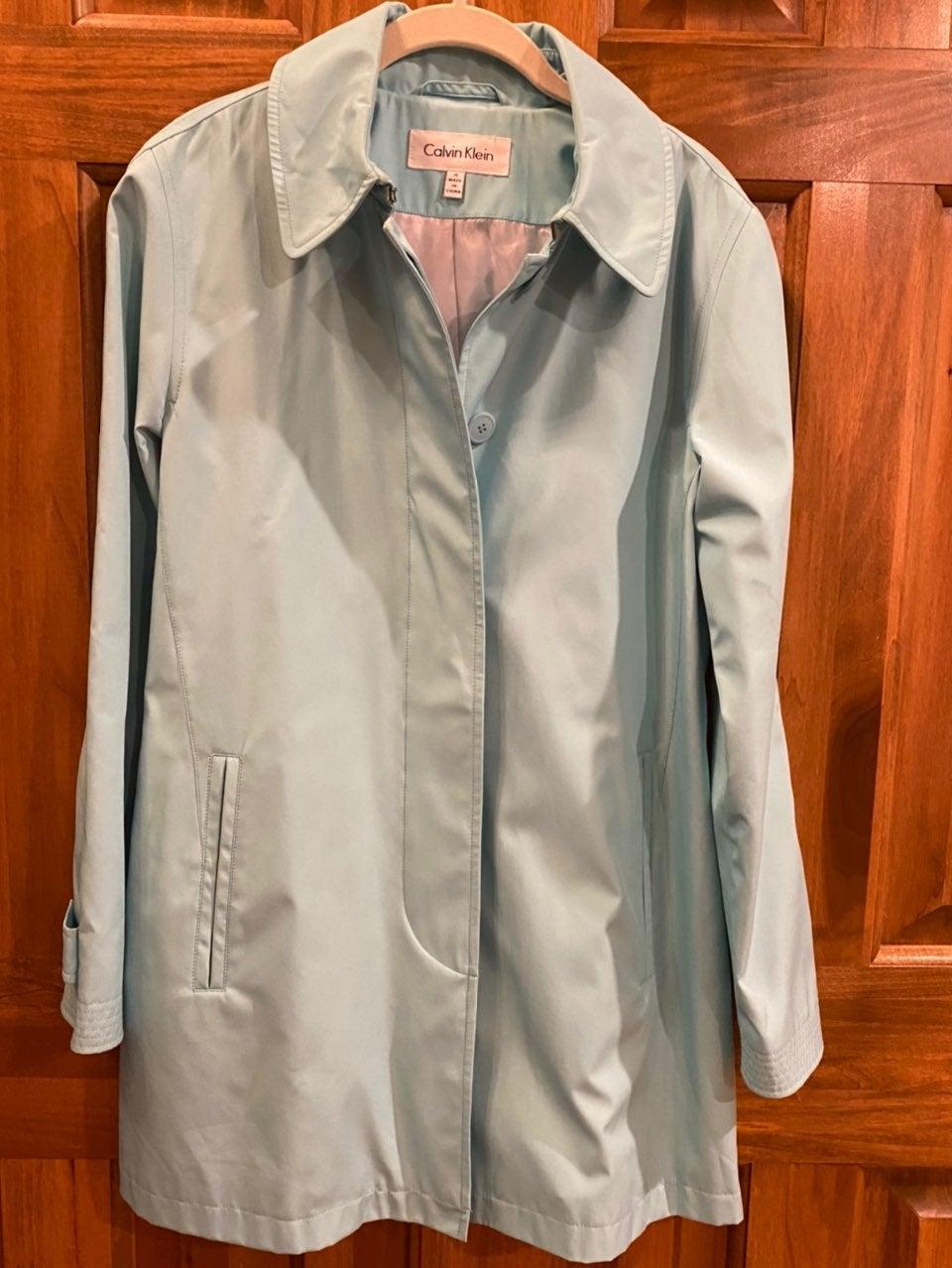 Women's size 4 Calvin Klein Raincoat