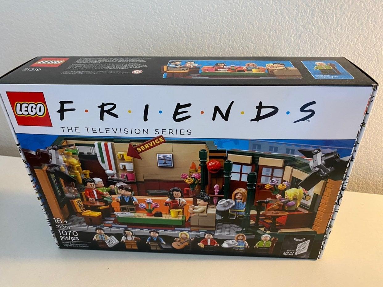 LEGO Friends Central Perk Set