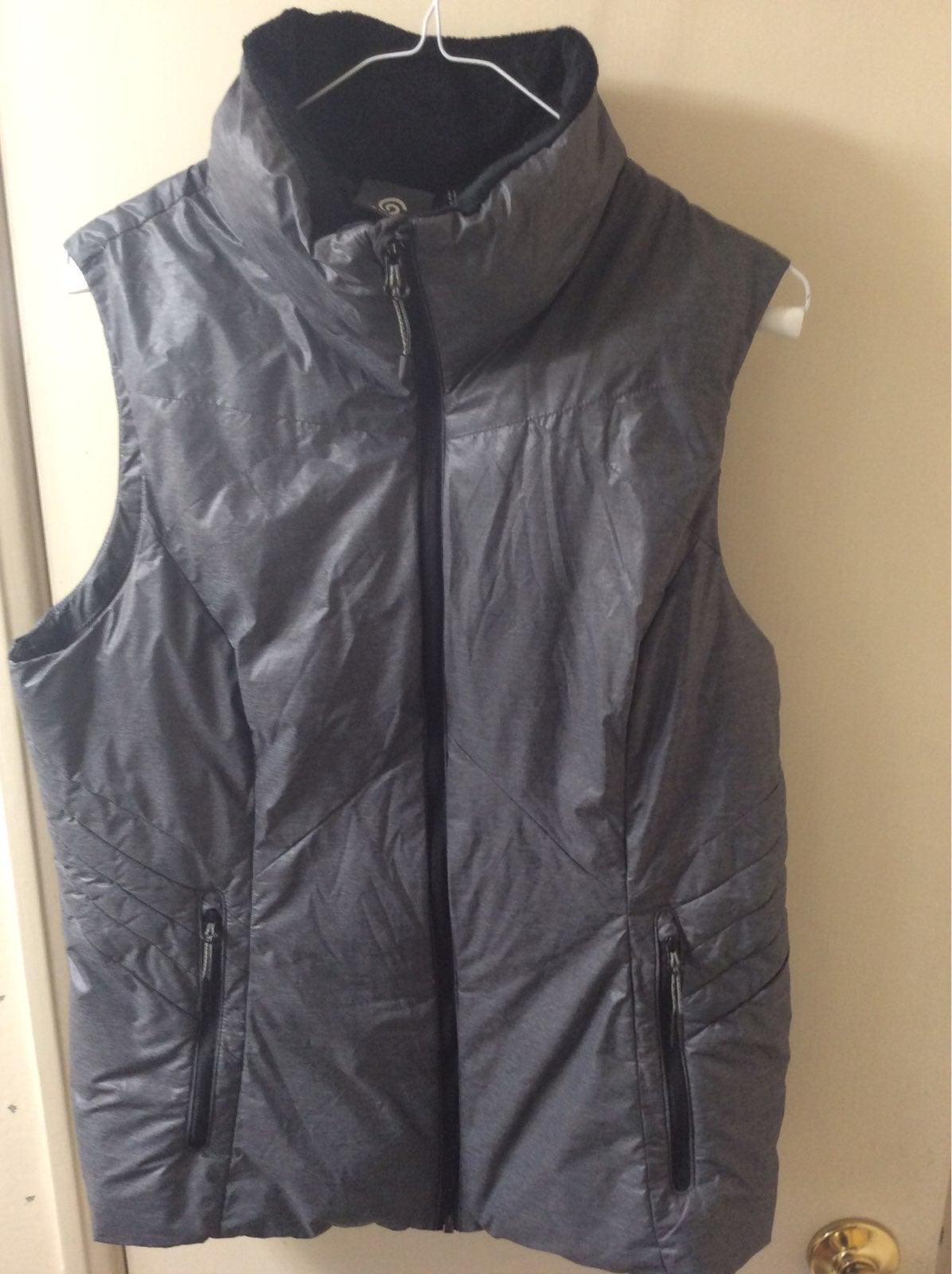 Puffer Vest size L