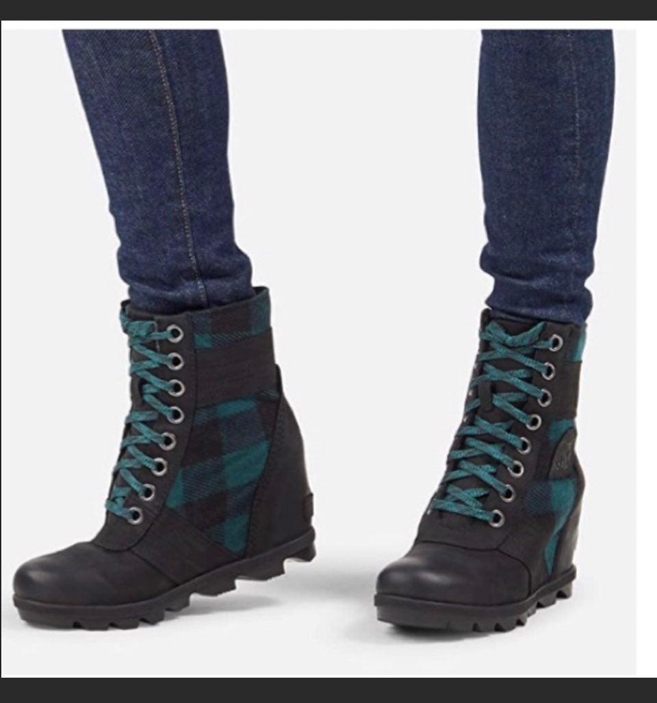 Sorel LEXIE boot 6.5