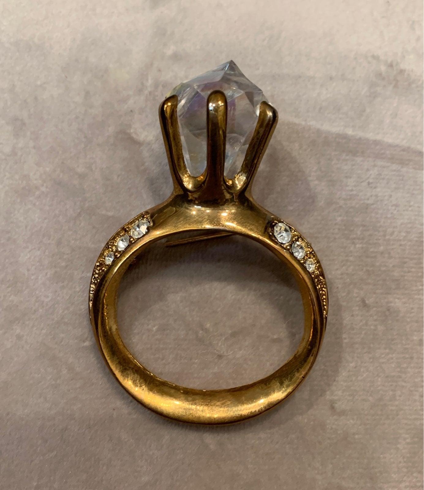 """Vintage """"Diamond"""" Ring Brooch"""