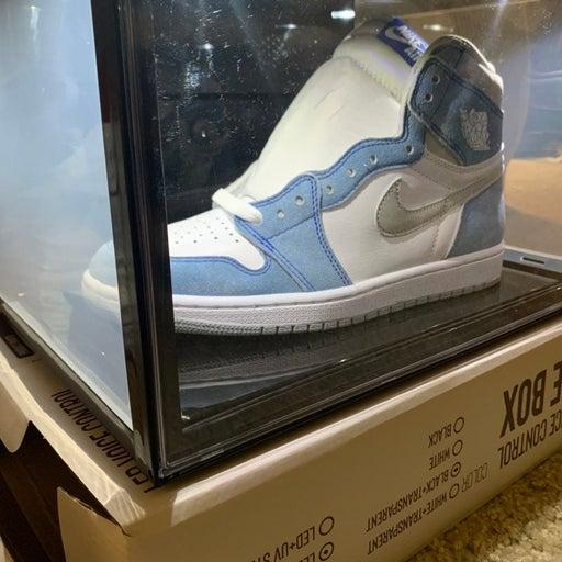 LED voice activated shoe box
