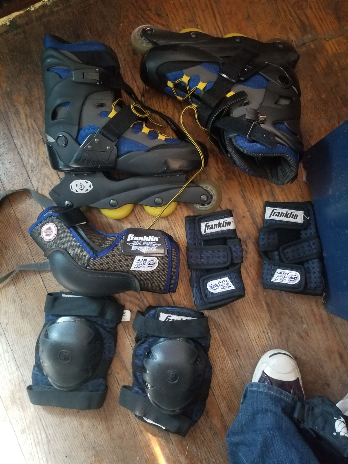 Franklin roller blades with 5 pads in ba