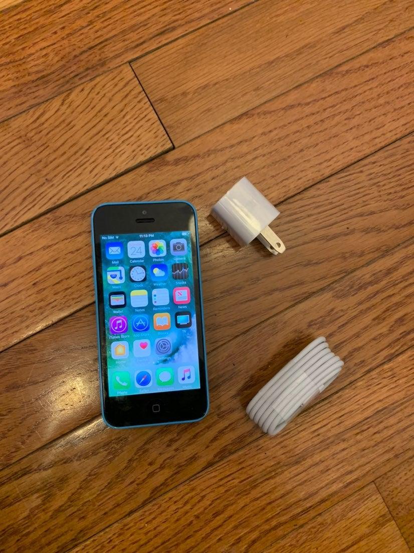 iPhone 5c Blue 16 GB Unlocked