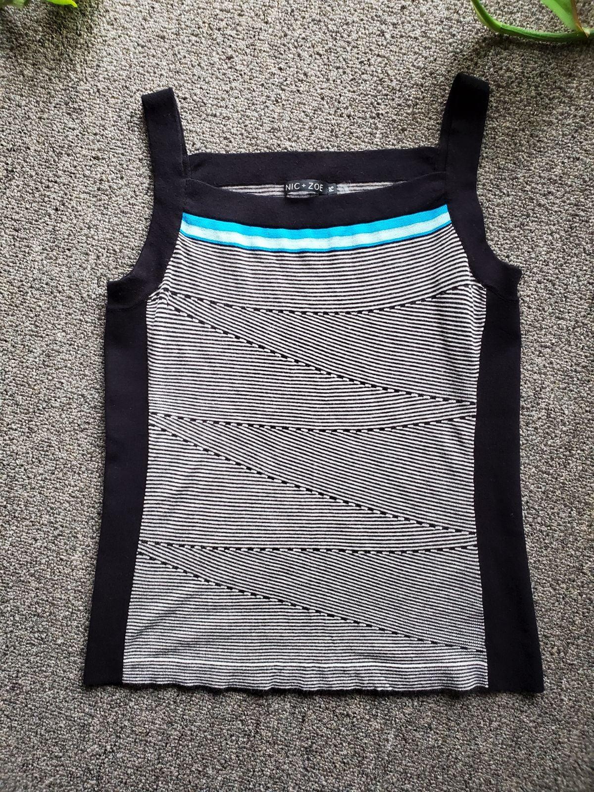 Nic + Zoe knit grey black tank top