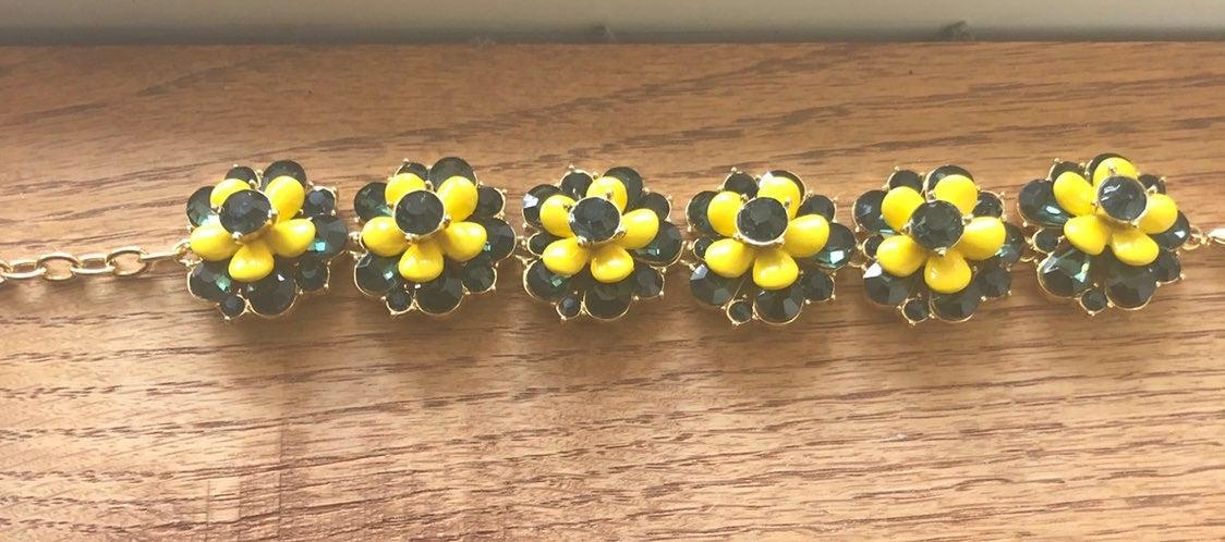 Daisy flower rhinestone enamel Bracelet