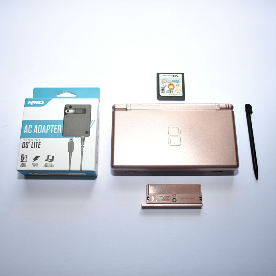 Nintendo DS Lite | Charger | Game