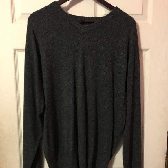 Geoffrey Beene Gray V-Neck Sweater