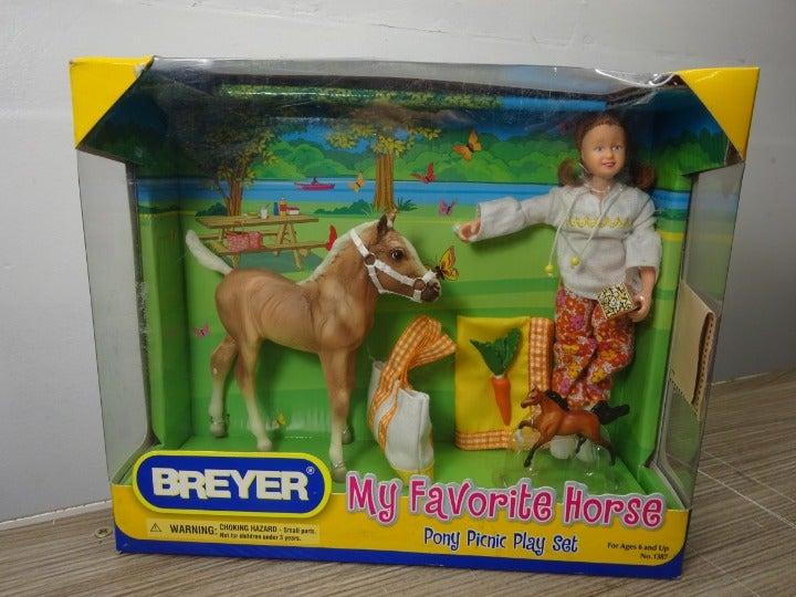 Breyer My Favorite Horse Pony Picnic Set