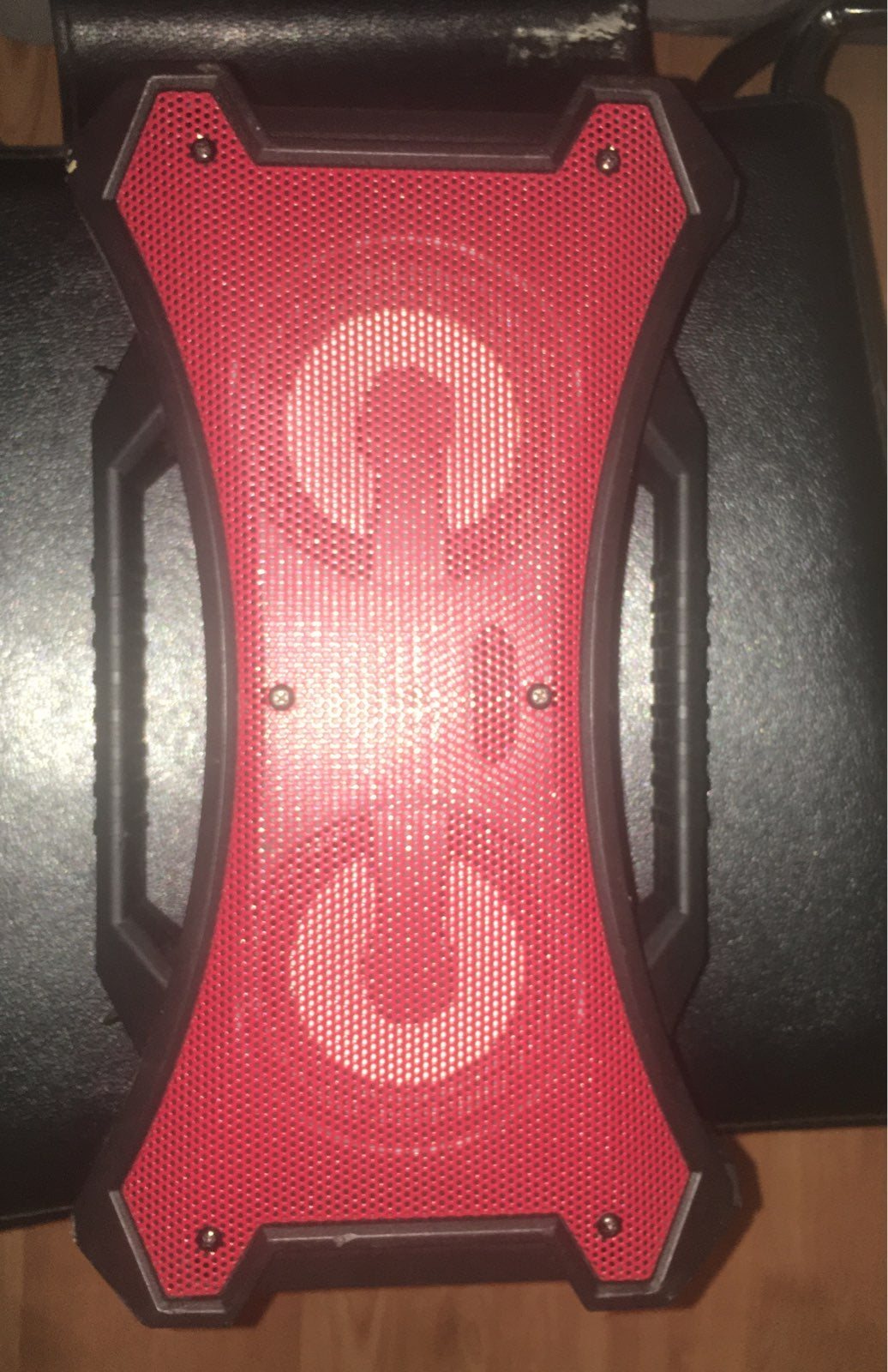 speakers bluetooth and aux