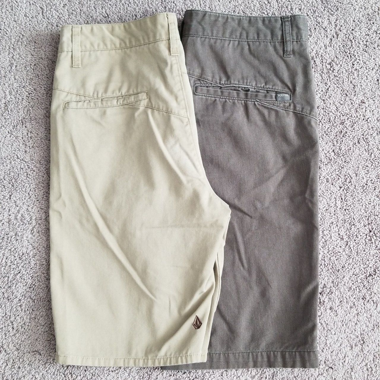 2 pack brown and grey Volcom shorts