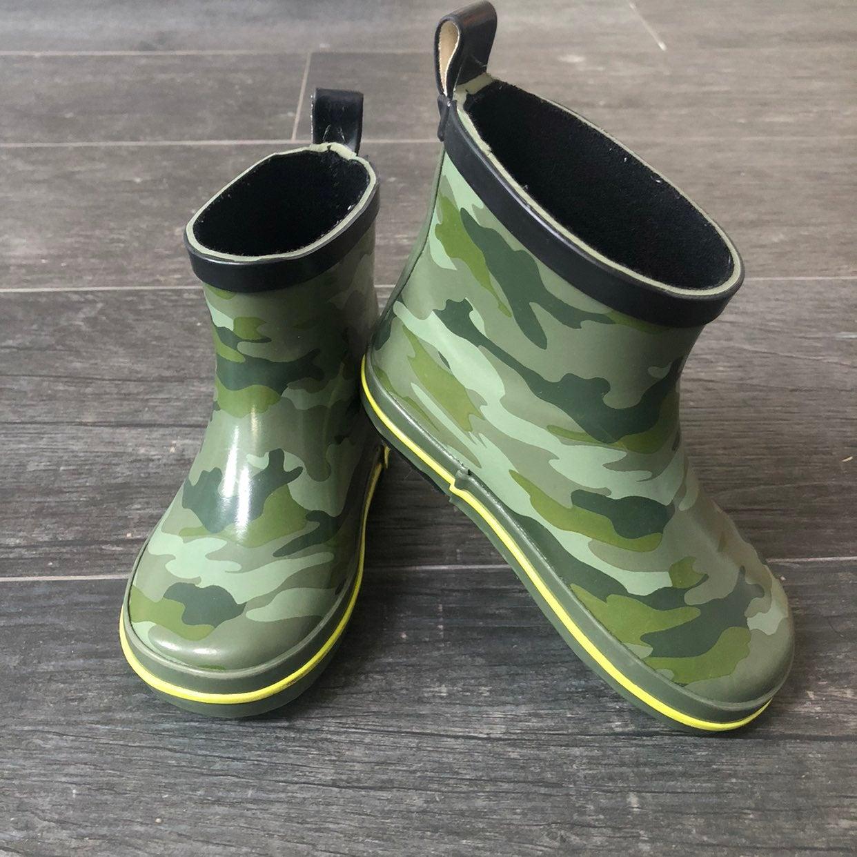 camo bundle - rain boots + shirt