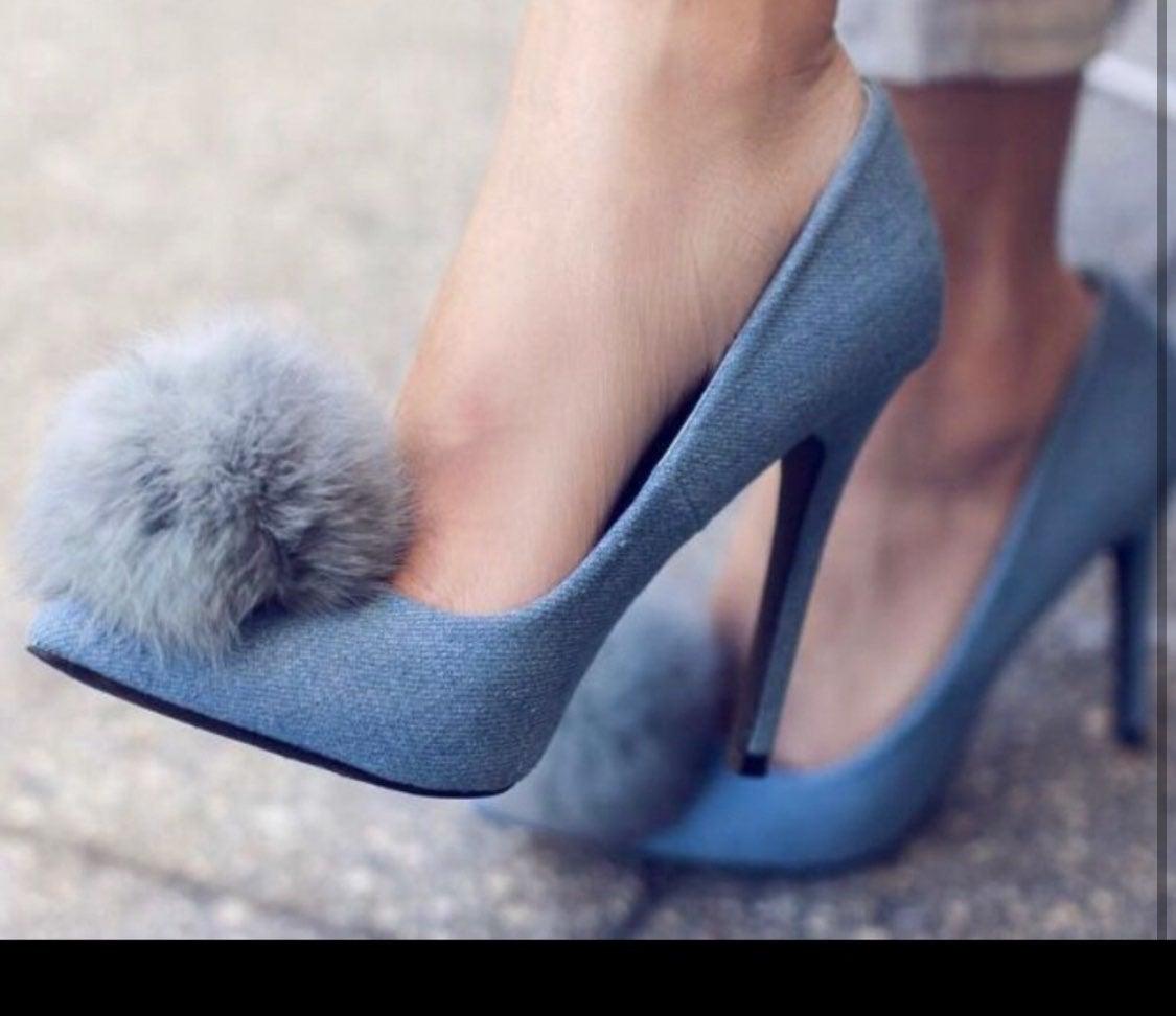 Privileged puff heels