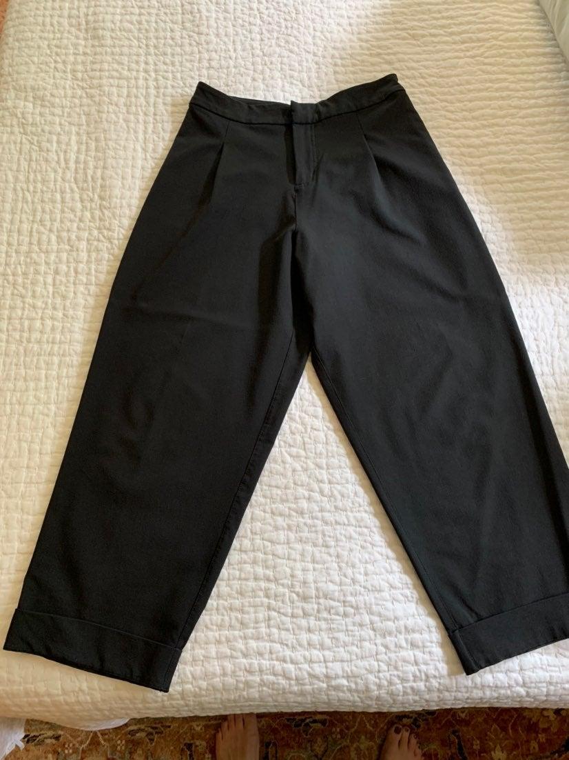 Lululemon trouser Pleated black pants