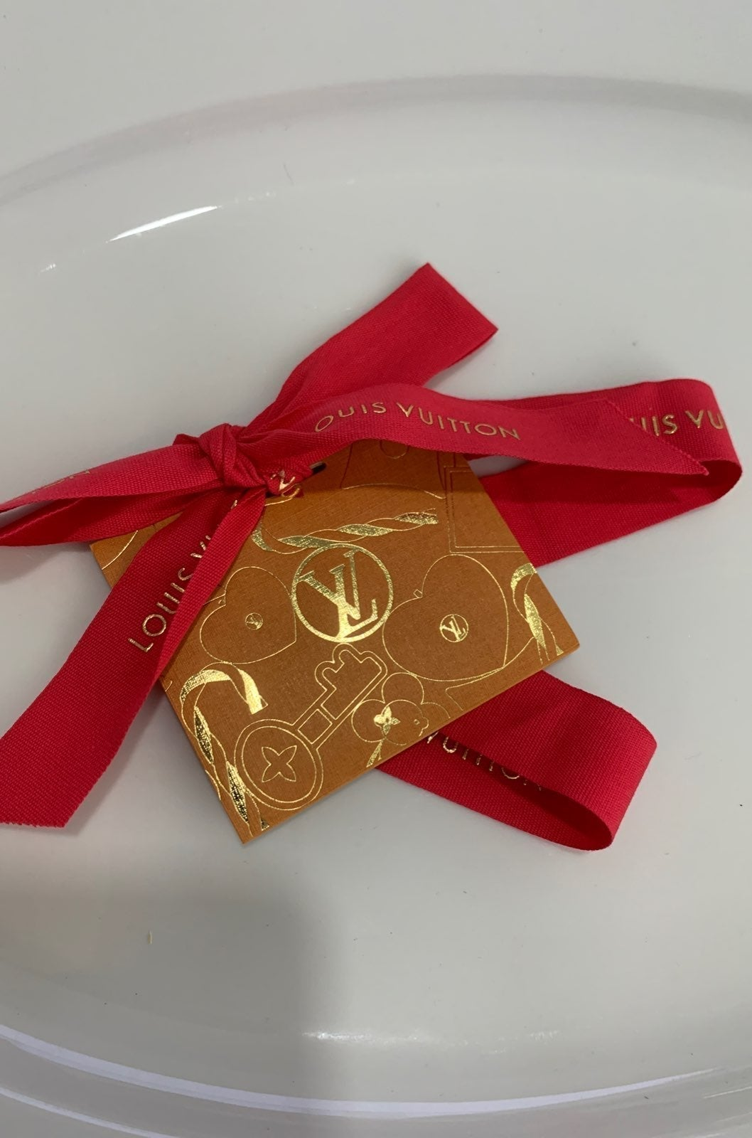 Louis vuitton holiday gift tag ribbon