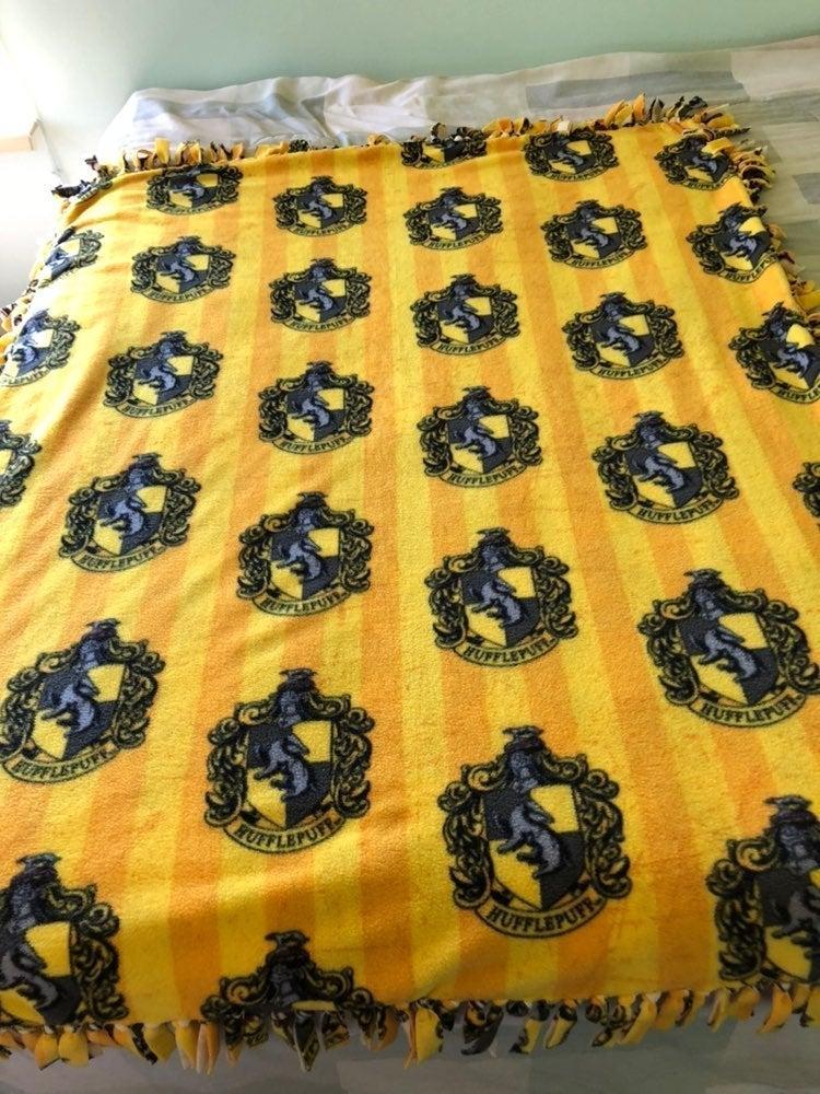 Harry Potter No-Sew Blanket Hufflepuff