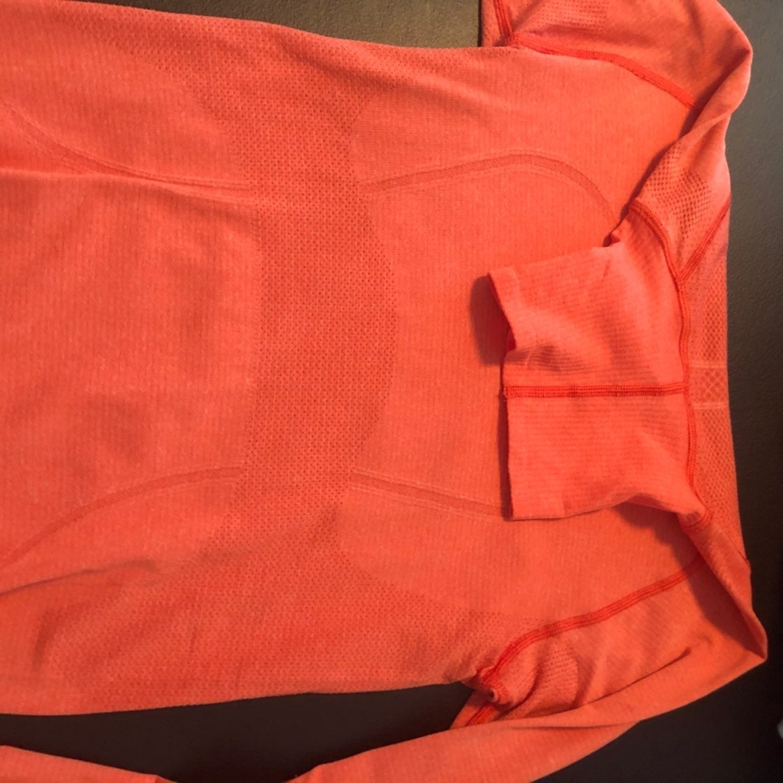 Lululemon turtleneck Size 6