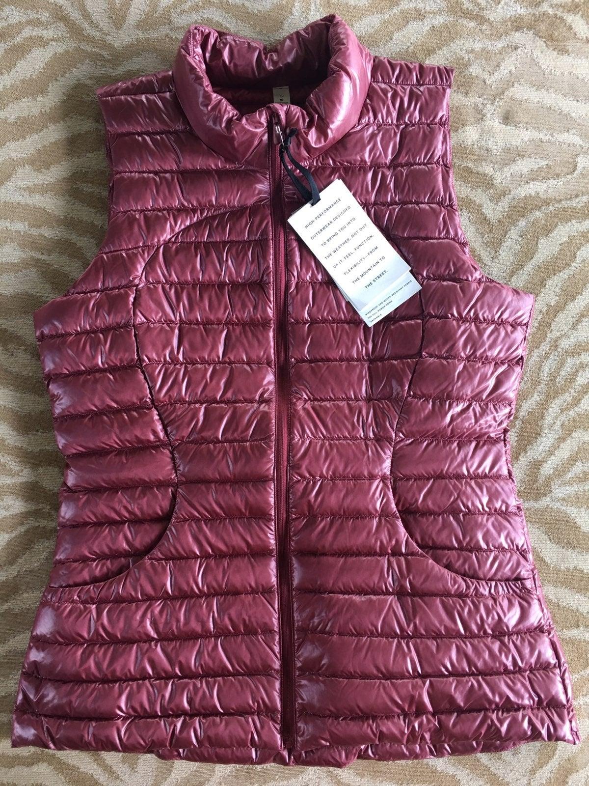 Lululemon Pack it Down Chianti Vest 10