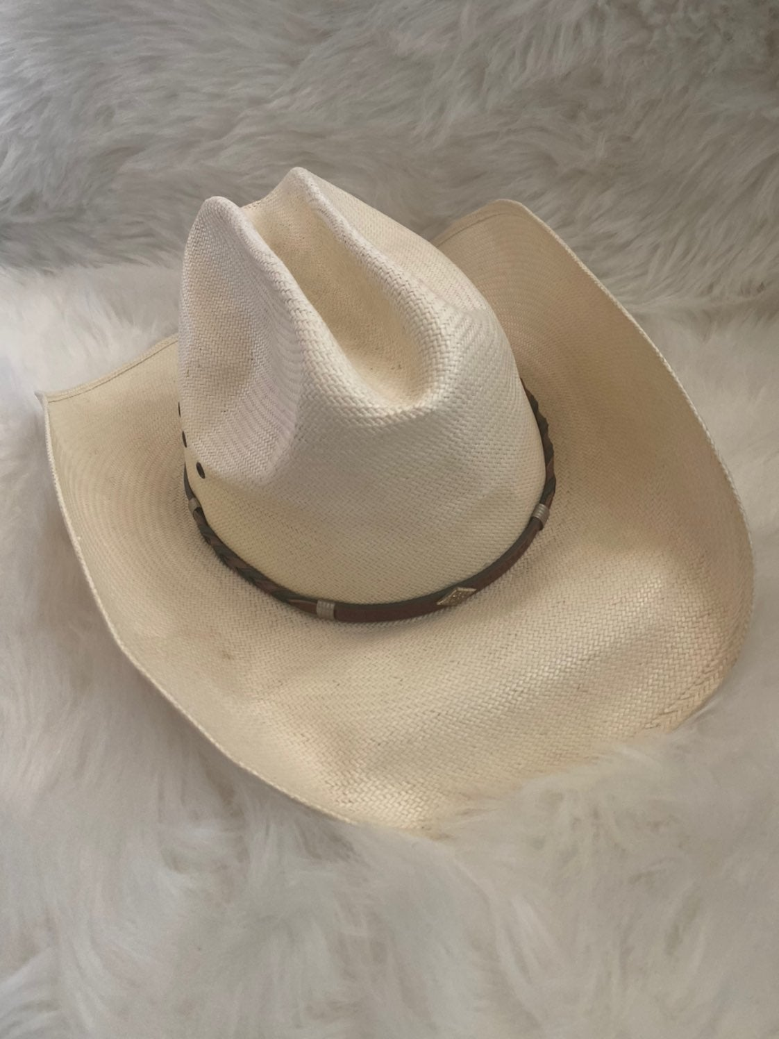 Resistol beige cowboy hat w/ lether band
