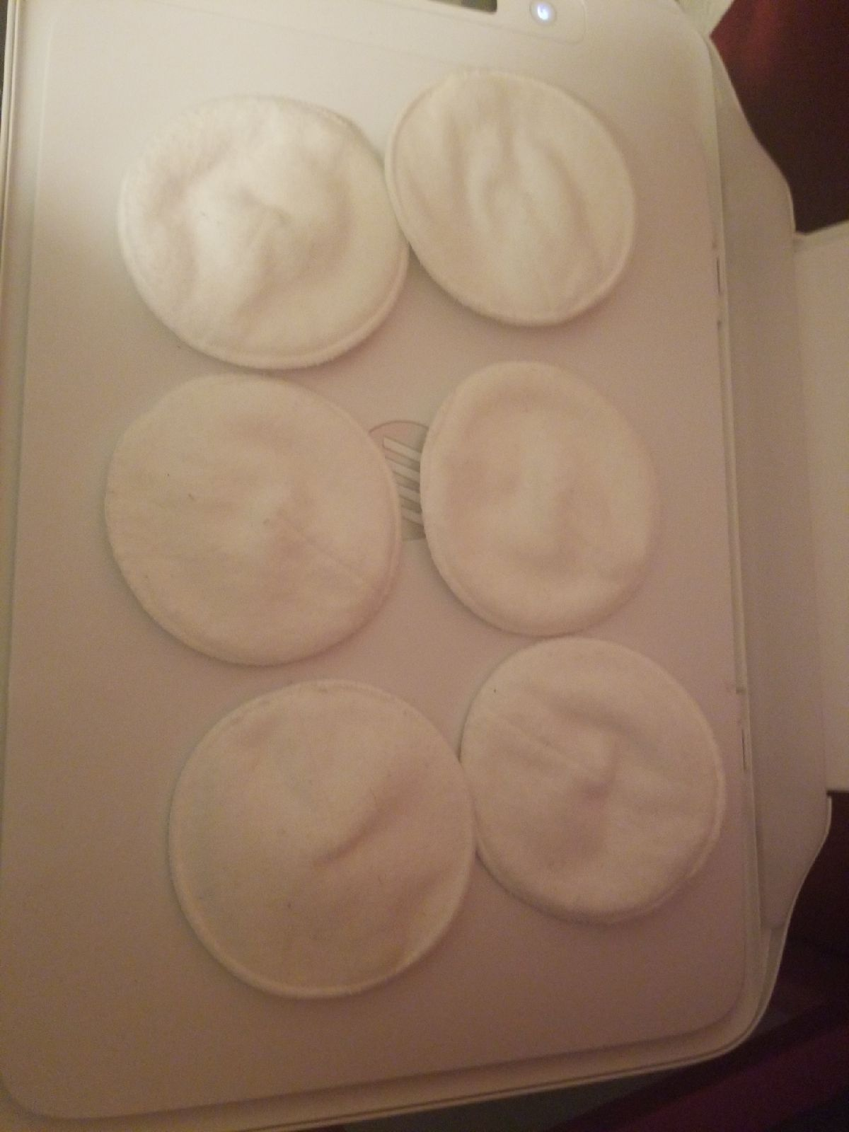 Cloth nursing pads