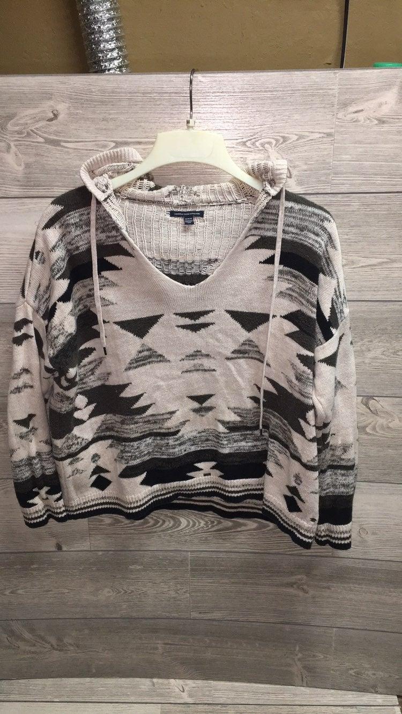 AEO Aztec Black & White Sweater w Hood