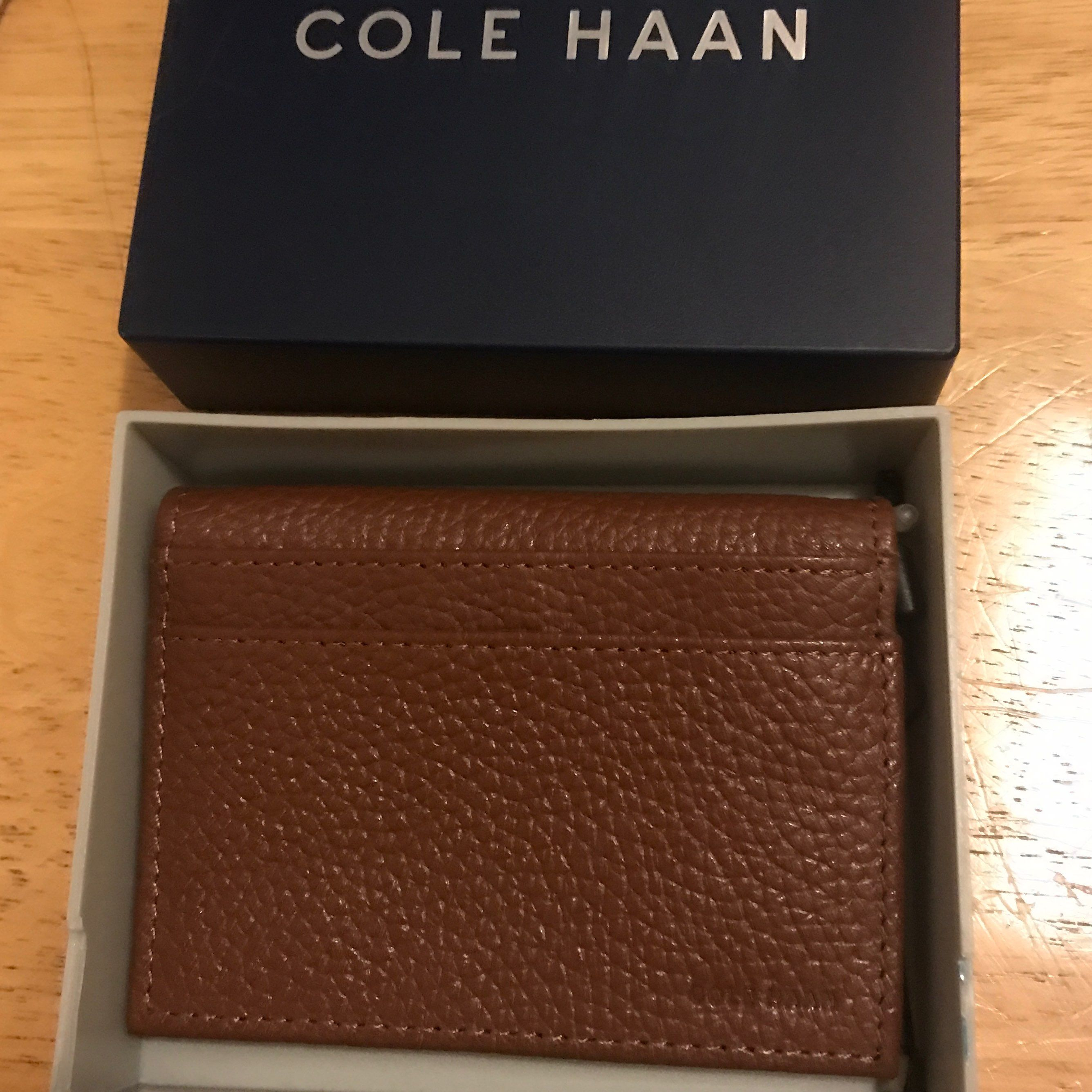 COLE HAAN MEN PICTURE ID LEATHER WALLET