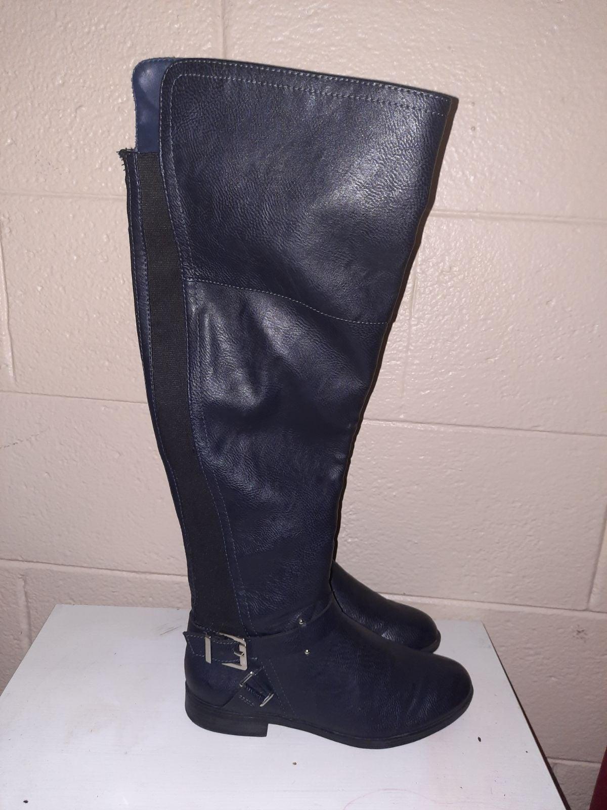 Bar III navy Boots size 6.5