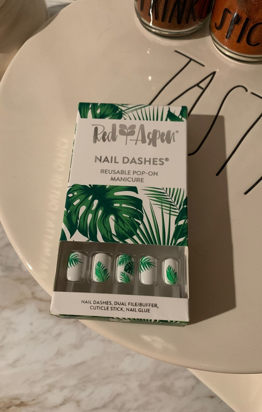 Pop-on Nail Dashes