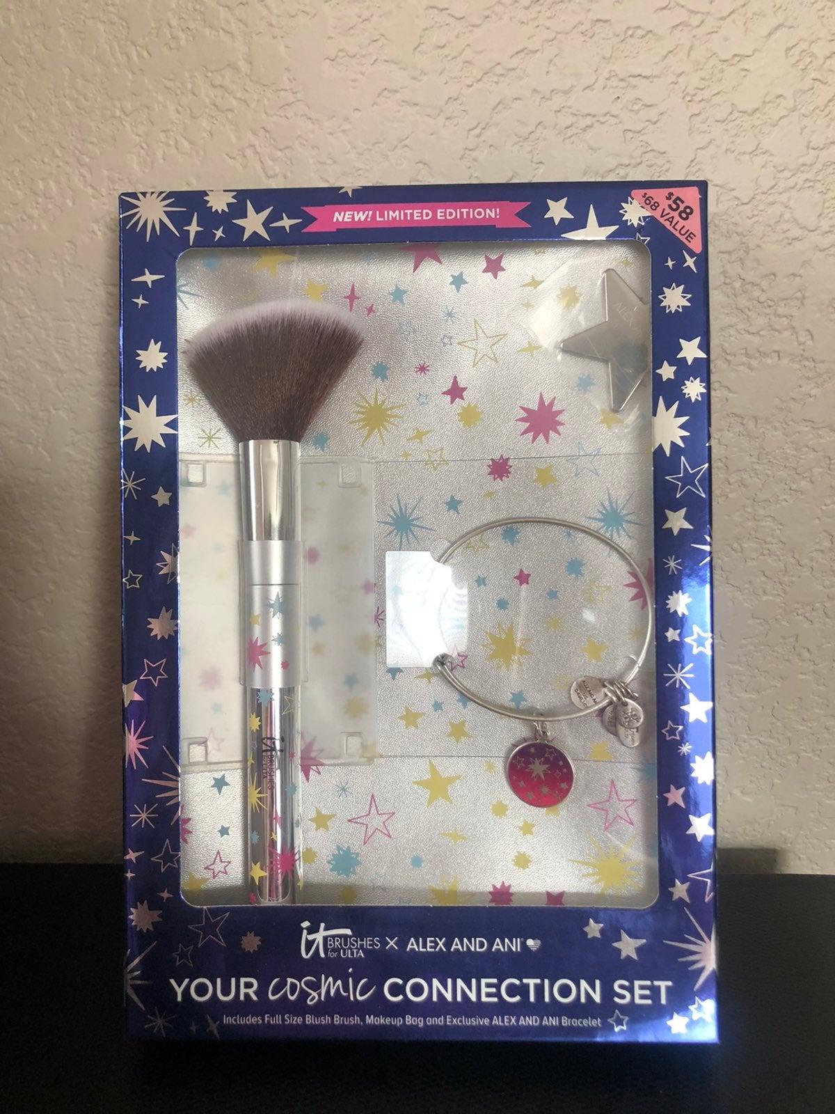 IT Cosmetics Alex & Ani Brush Set