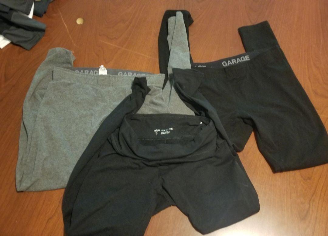 3 pairs of leggings