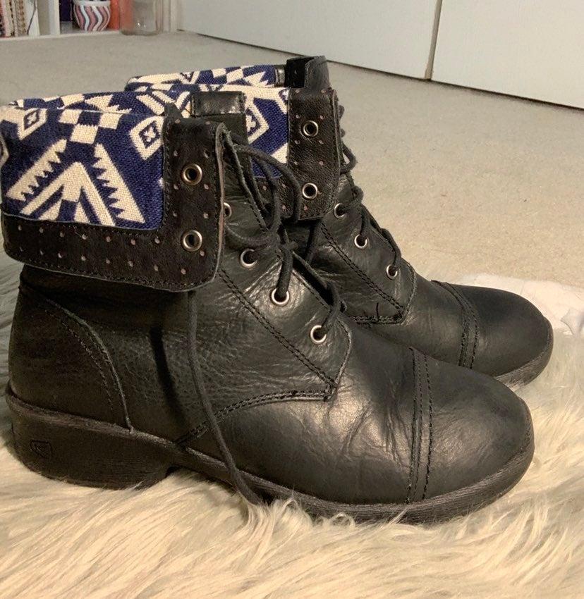 Keen tyretread outdoor boots