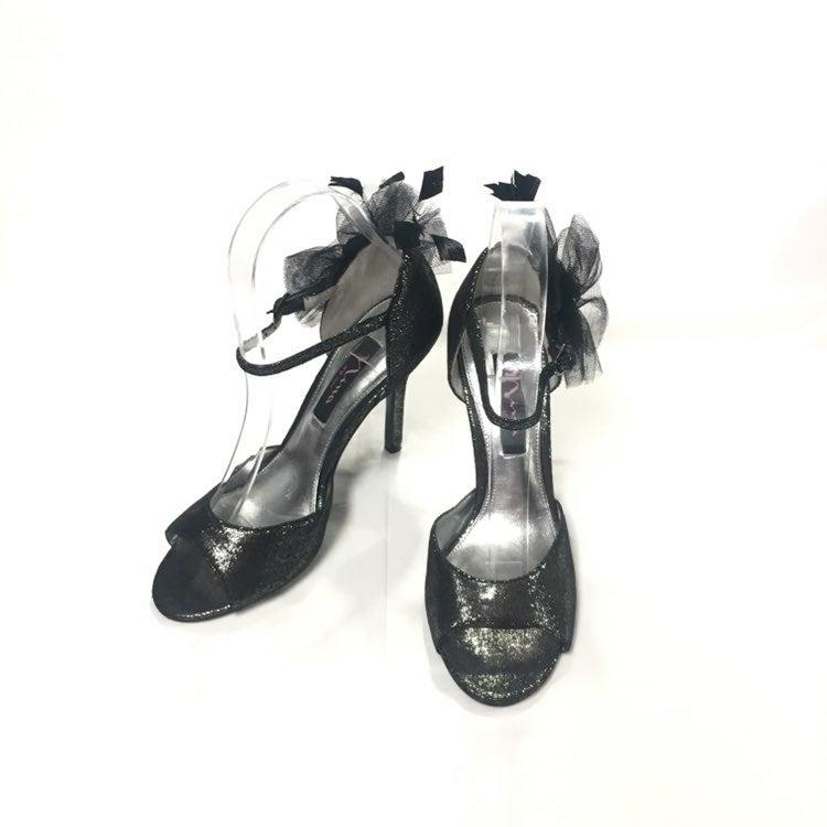 NINA Ankle Strap Gray Metallic Sz6