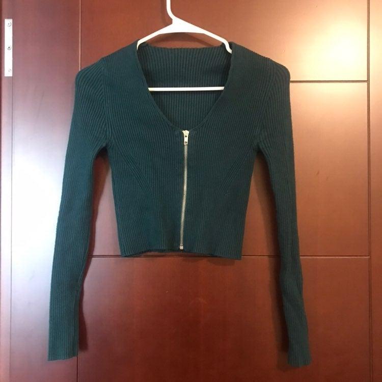 H&M Crop Knit Top