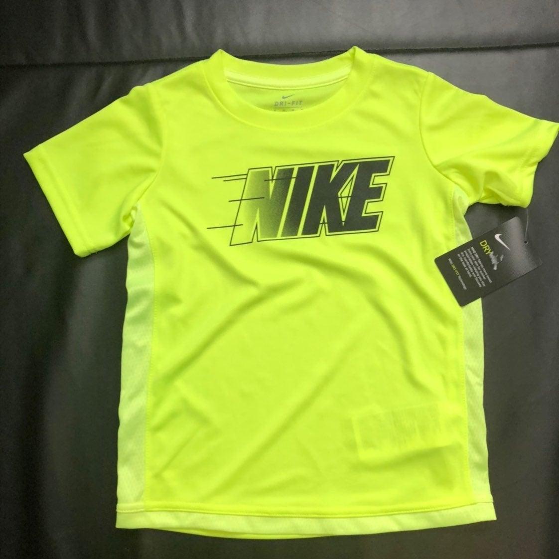 NWT Nike athletic tee  boys size 7