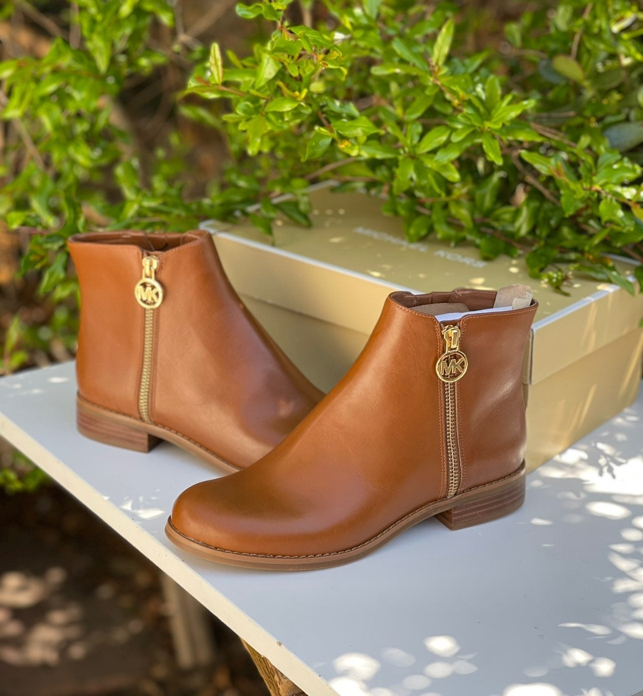 MICHAEL KORS tan leather booties 6.5
