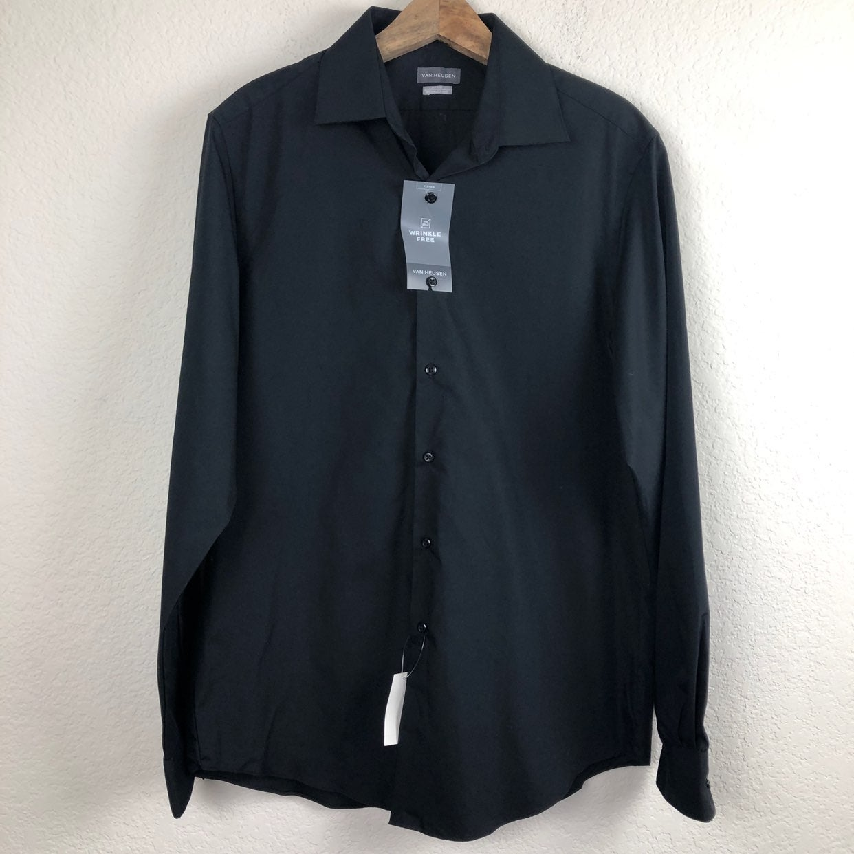 Van Heusen Wrinkle Free Fitted Shirt Med