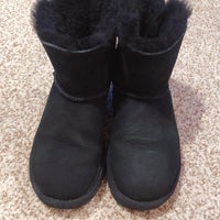 f540a282080 Ugg Mini Bailey Bow Boots