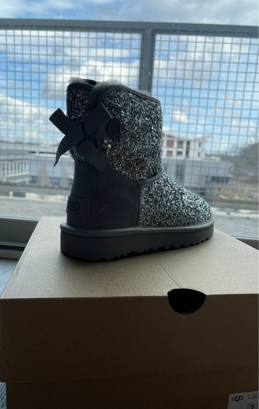 women's silver ugg boots size 7