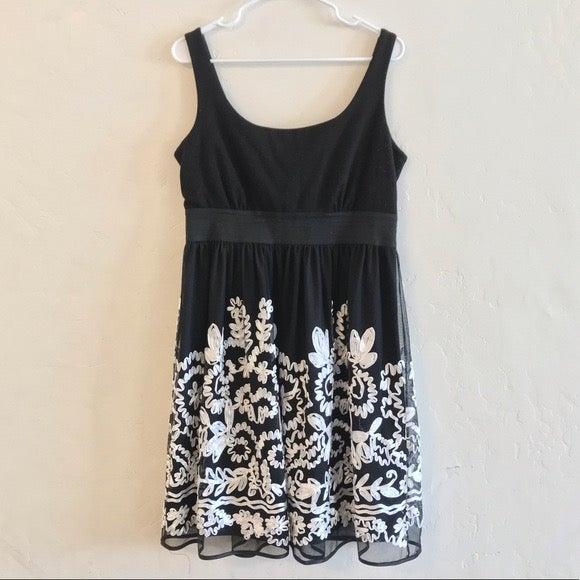 R&M Richards Black & White Sheath Dress