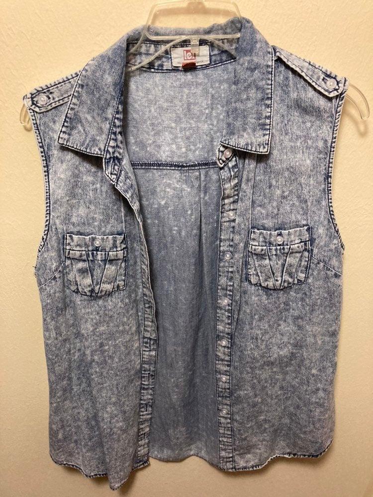 Junior's Size XL Faux Acid Wash Vest