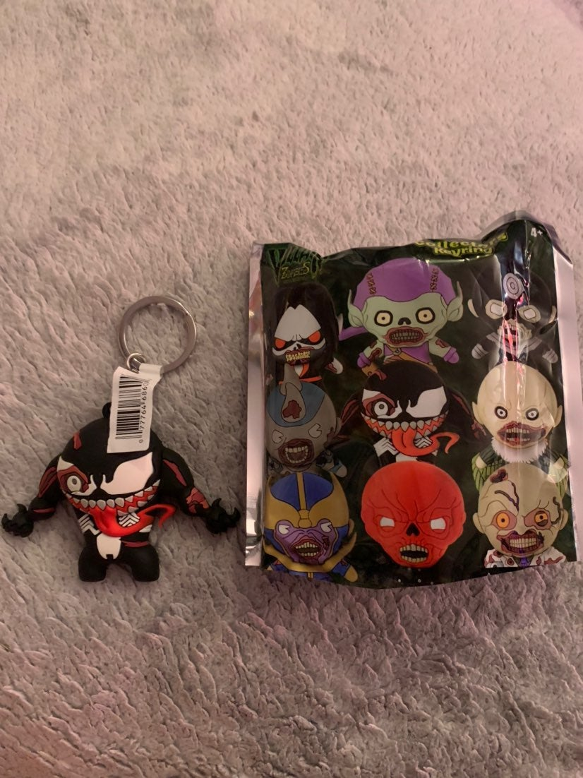 Marvel zombies blind bag venom key chain