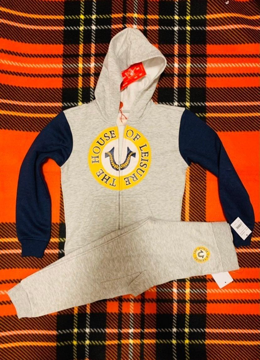 New True Religion sweatsuit size 4/4T