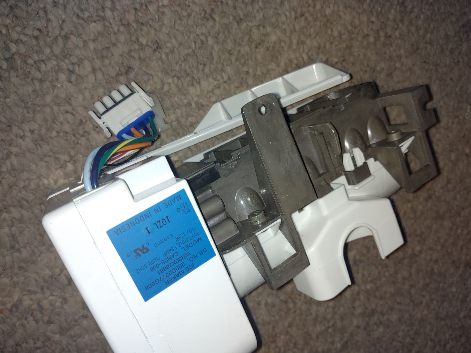 GE WR30X28681 Ice Maker Assy.