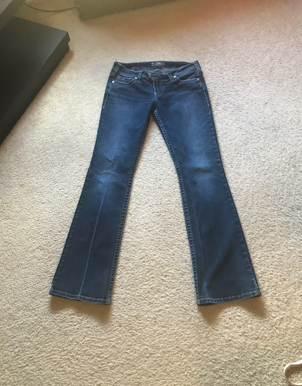 SILVER JEANS TUESDAY SIZE 30 X 33