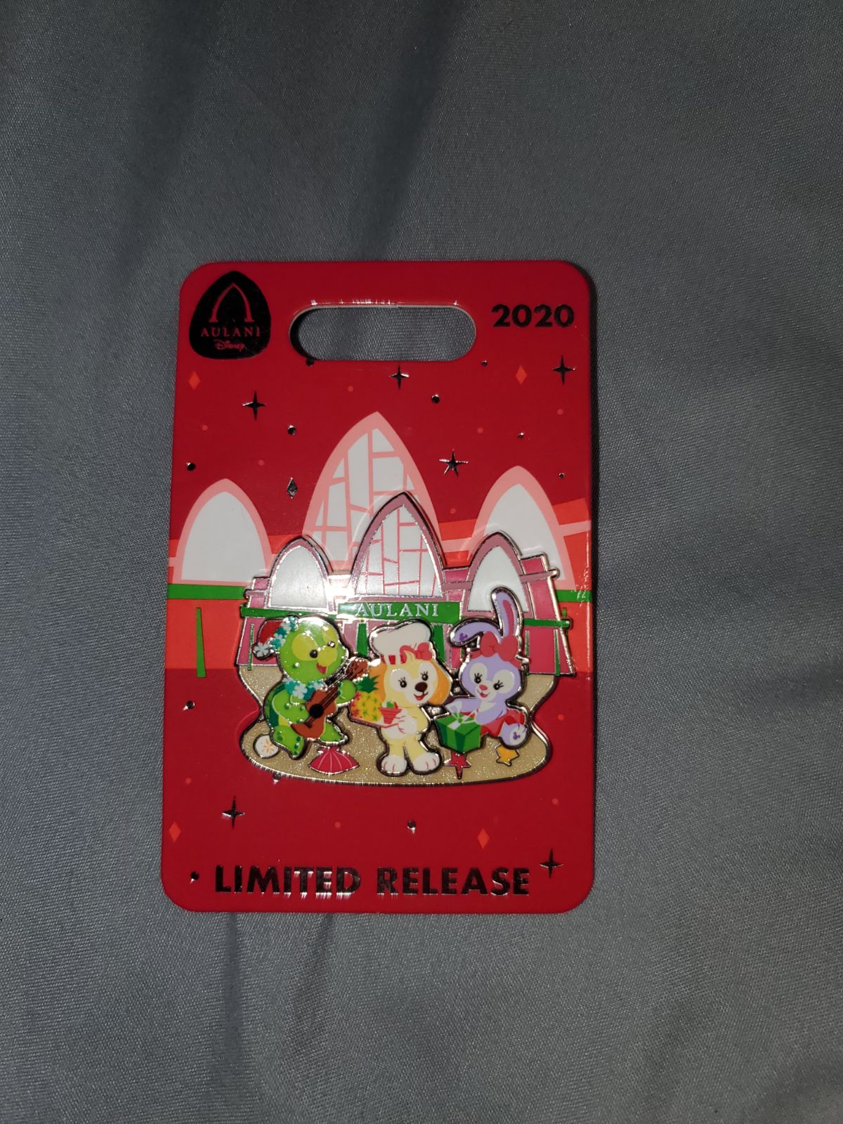 LE Disney Aulani Christmas 2020 Pin