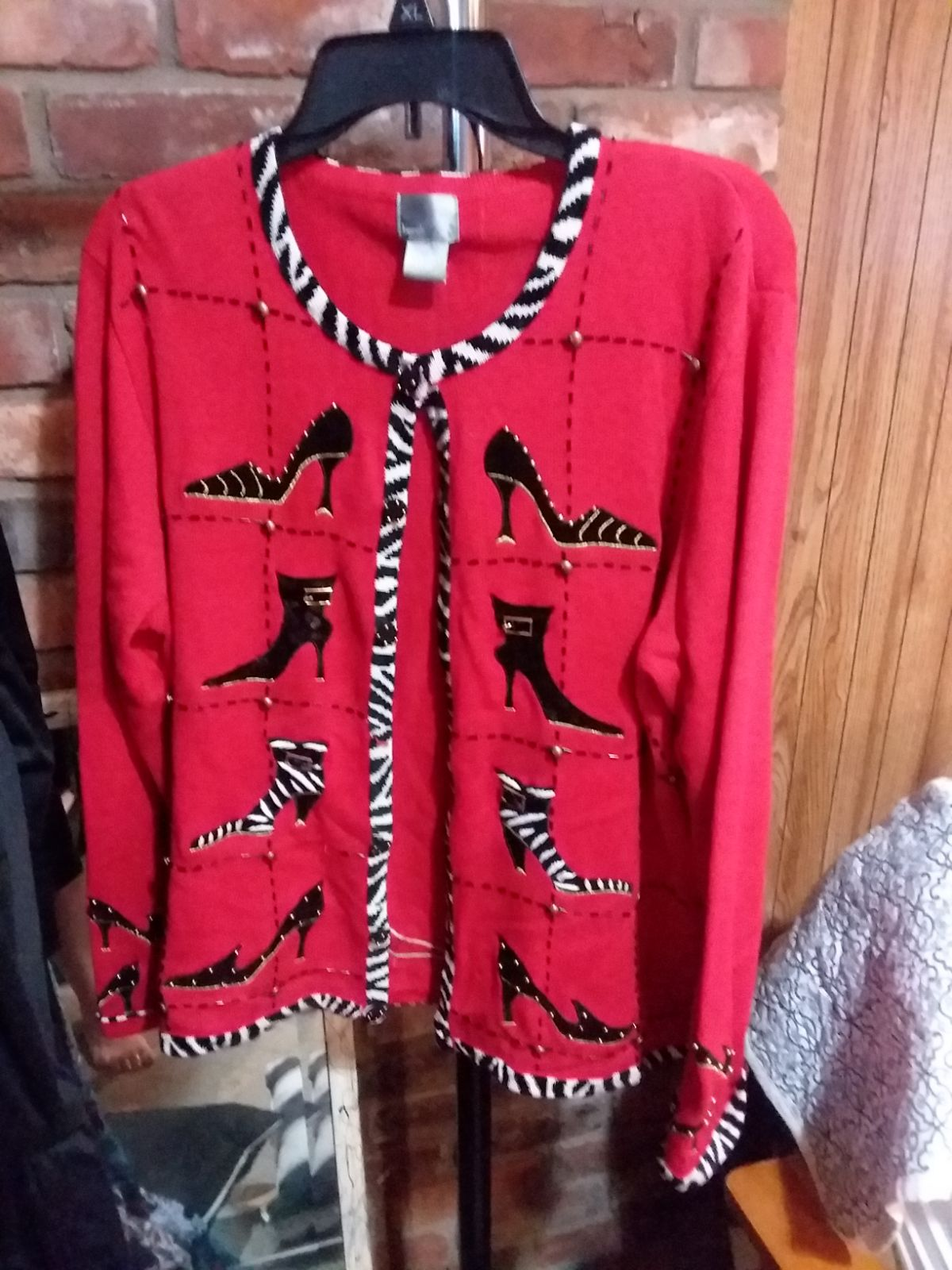 """XL """"Ugly Sweater"""" cardigan, """"Shoe Lover'"""