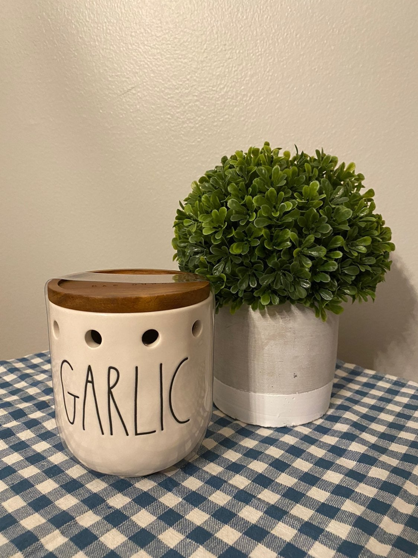 NEW Rae Dunn Garlic Cellar Wood Lid