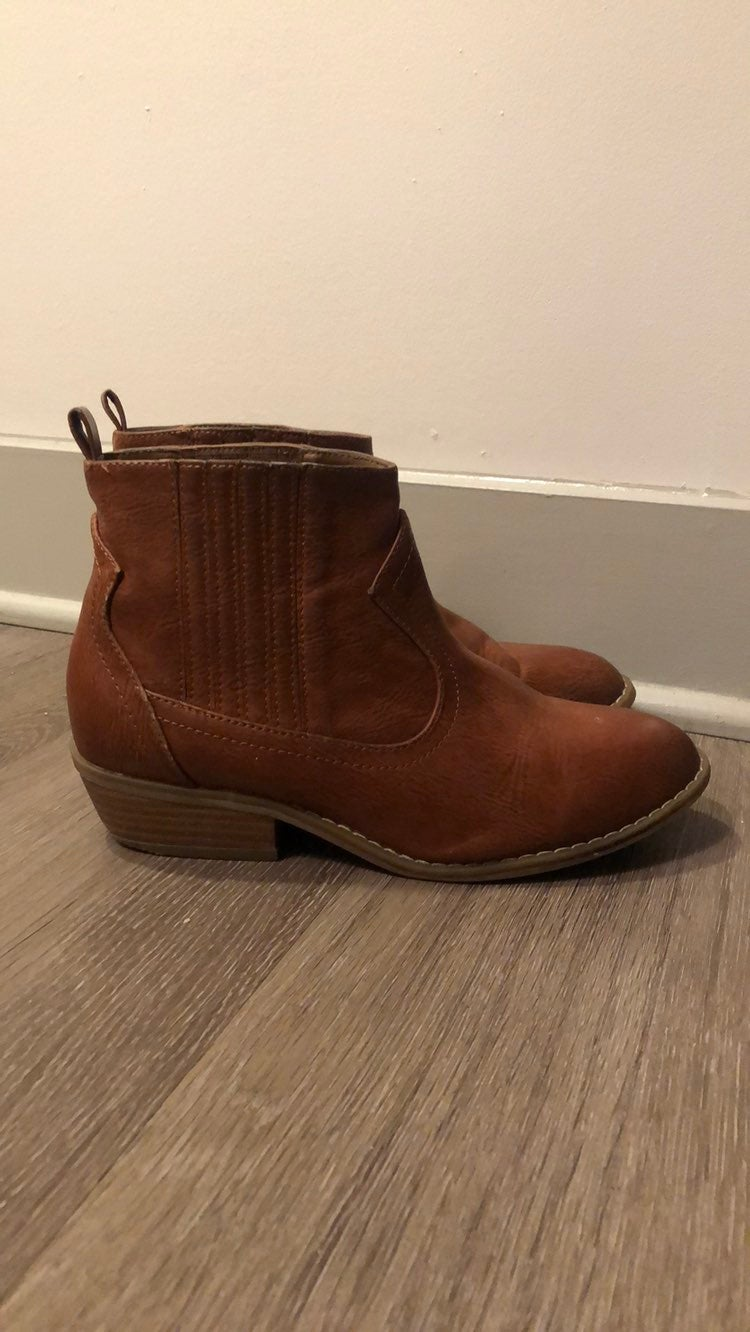 Universal Thread Western Ankle Booties 7
